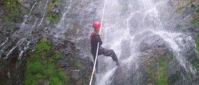 belize waterfall rappelling